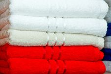 Free Towels Red Royalty Free Stock Photos - 5113618