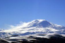 Free Elbrus Sun And Snow Deserе Royalty Free Stock Photos - 5114638