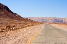 Free Desert Road Royalty Free Stock Photos - 5115218