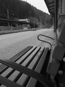 Free Austrian Train Station Bench B&W Royalty Free Stock Photography - 5117827