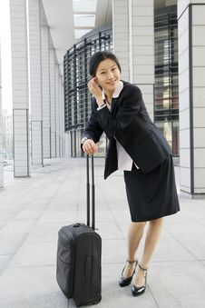 Free Chinese Business Women With Suitcase Stock Images - 5121264