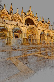 Free Venice Details By Night Royalty Free Stock Photography - 5122267