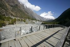 Wooden Footbridge On The Annapurna Royalty Free Stock Images