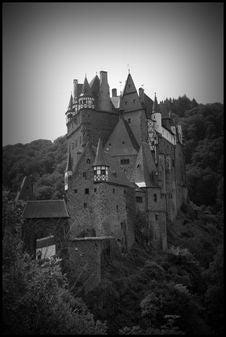 Free Burg Eltz Dark Stock Image - 5126851