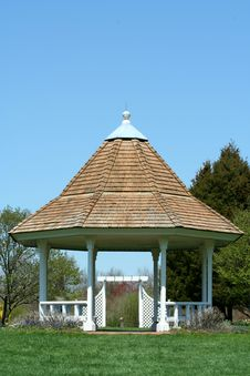 Free White Gazebo In A Park With Blue Sky Royalty Free Stock Image - 5128086