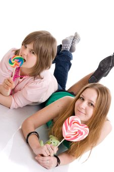 Free The Two Young Attractive Girls Isolated On A White Royalty Free Stock Photos - 5128358