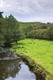 Free Peaceful River Scene In Kentmere Royalty Free Stock Images - 5137069