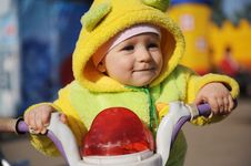 Free Little Baby Plays With The Bike Royalty Free Stock Images - 5142009