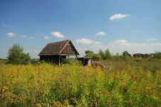 Free Old House On Meadow Stock Photo - 5142190