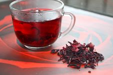 Free Red Hibiscus Tea Royalty Free Stock Images - 51406709