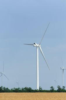 Free A Wind Farm In The Wide Spread Field Stock Photo - 51449800