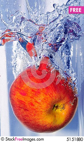 Free Splashing Apple Stock Photo - 5151880
