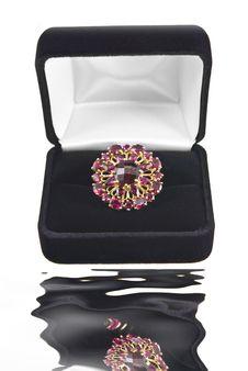 Free Garnet Ring Royalty Free Stock Images - 5151019