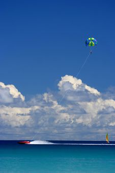 Free Flying, Sailing, Racing Fun Royalty Free Stock Photography - 5154047