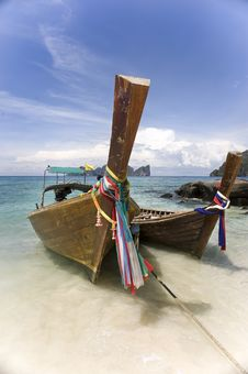 Free Longtail Boat At Koh Phi Phi Royalty Free Stock Photography - 5154307