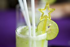 Coctail With Lime Royalty Free Stock Images