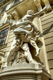 Free Statue At Imperial Palace, Vienna Royalty Free Stock Images - 5154919