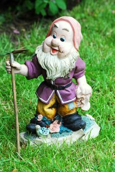 Free Garden Gnome Stock Images - 5165924