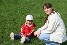 Free Little Girl With Her Mother Stock Images - 5166984