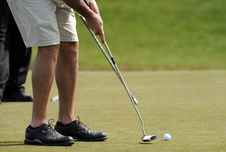 Free Putter, Golf Ball And Feet Stock Photography - 5167292