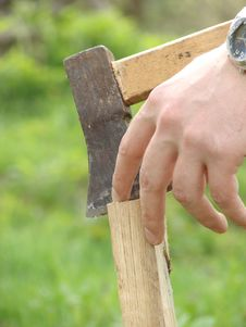 Free Wooden Chuck Bar Metal Axe Stock Photo - 5169100