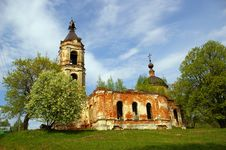 Free Old Russian Destroyed Church Stock Photo - 5176240
