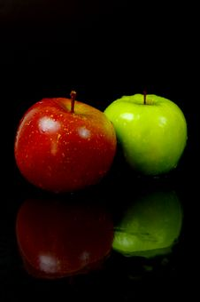 Free Red & Green Apples Royalty Free Stock Images - 5176309