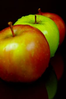 Free Red & Green Apples Stock Images - 5176324