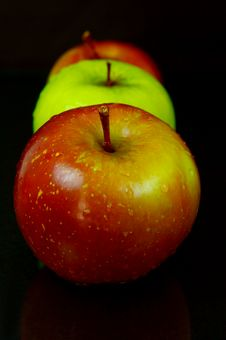 Free Red & Green Apples Royalty Free Stock Images - 5176339