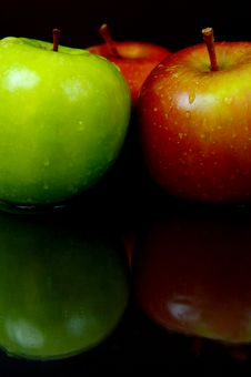Free Red & Green Apples Stock Images - 5176354