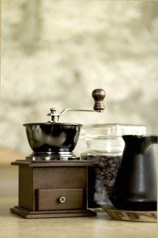 Free Coffee - Grinder Royalty Free Stock Image - 5179306