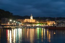 Free Gothic Basilica And Harbour In Lekeitio At Dusk Stock Photo - 5179310