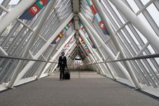 Free Businesswoman In Walkway Stock Photography - 5184252