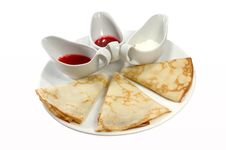 Free Pancakes With Sauce Royalty Free Stock Images - 5184529