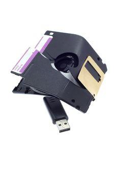 Free Broken Diskette Royalty Free Stock Photo - 5186985