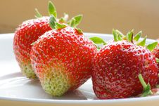 Free Strawberries Royalty Free Stock Photos - 5187388