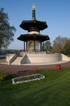 Free London Peace Pagoda Stock Image - 5189041