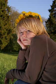 Free Worried Blond Hair Woman In Garland Royalty Free Stock Image - 5191936