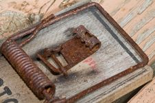 Free Rusted Old Mousetrap Royalty Free Stock Photography - 5193077