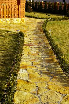 Free Garden  Path Royalty Free Stock Image - 5193896