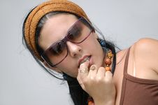 Free Casual Girl Wearing Sunglasses Stock Photos - 5194673
