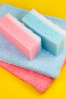 Free Towels And Sponges Stock Image - 5196011