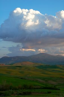 Free Evening Clouds Over Tuscany Mountain Royalty Free Stock Photo - 5196335