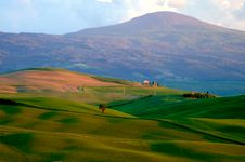 Free Mountains And Fields Of Wheat In Tuscany Royalty Free Stock Photos - 5196338