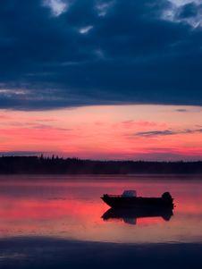 Free Boat Before Sunrise Stock Images - 524994