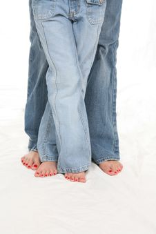 Free Bare Feet And Blue Jeans Stock Image - 5200461