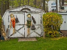 Free Scarecrows On Shed Stock Images - 5205294