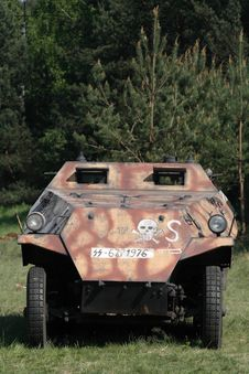 Free Armored Personnel Carrier Royalty Free Stock Image - 5206496