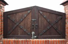 Free Old Fashioned Gates Stock Photography - 5206882