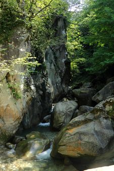 Free Blockage Of Large Boulders. Mamedovo Gorge, Lazarevskoye, Russia. Royalty Free Stock Images - 52096359